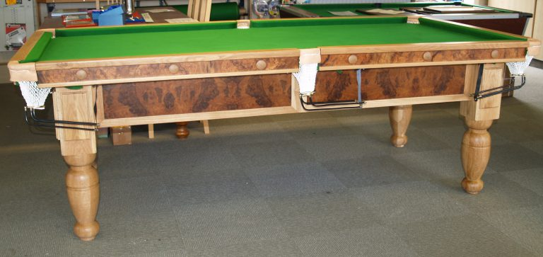 8ft Oak and Walnut Reconditioned Table - 2